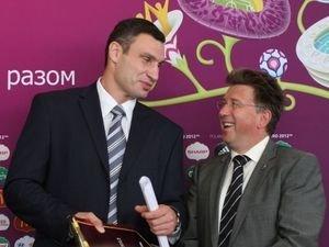 Мартин Каллен и почетный друг Евро-2012 Виталий Кличко