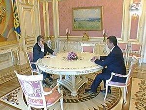 Ющенко может сменить Азарова на посту премьера