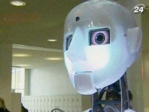 RoboThespian может общаться, узнавать лица, жестикулировать