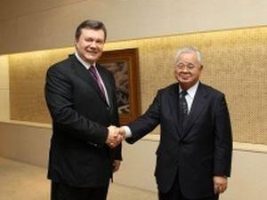 Виктор Янукович с председателем Японской федерации бизнеса Хиромасою Йонекурою