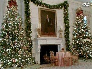Белый дом украсили к зимним праздникам
