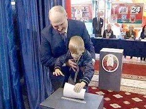 Голосует Александр Лукашенко