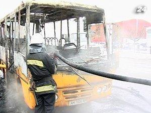Сгорела маршрутка в Житомире
