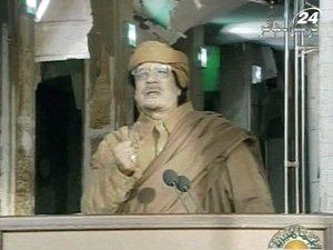 Каддафи обвинил в беспорядках