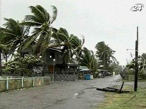 На Филиппины надвигается разрушительный тайфун