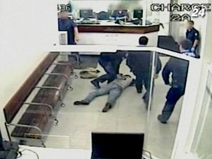 В Австралии полицейские убили мужчину электрошокером