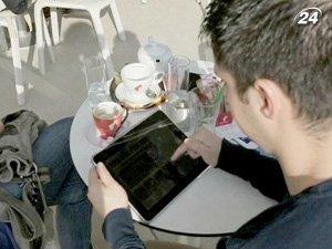В кафе раздают iPad вместо газет