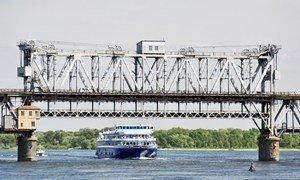 Крюкивский мост через Днепр в Кременчуге