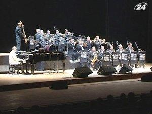 Оркестр Гленна Миллера дал концерт в столице