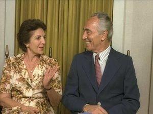 Шимон Перес с женой
