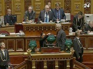 Французские власти таки приняла пенсионную реформу