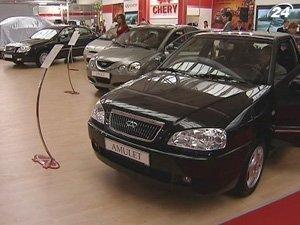 Продажи легковых автомобилей в октябре выросли на 32%