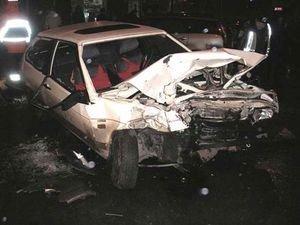 Оба водителя и трое пассажиров получили телесные повреждения