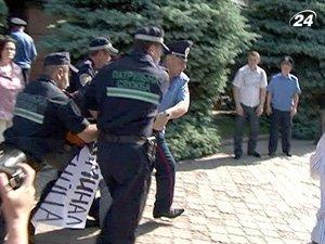 За превышение полномочий милиционерами - уголовные дела