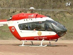 Вертолет с современной медицинской техникой