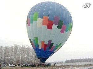 Воздушный шар подняла в небо 36 человек