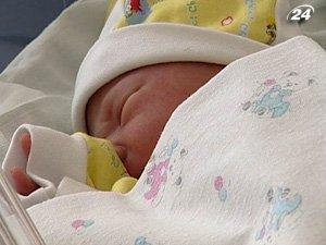 Помощь при рождении ребенка увеличат