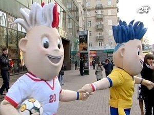 Талисманами Евро-2012 будет заниматься Голливуд.