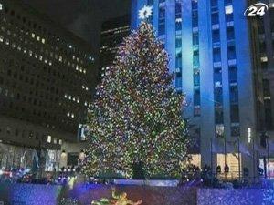 В Нью-Йорке открыли главную рождественскую елку США