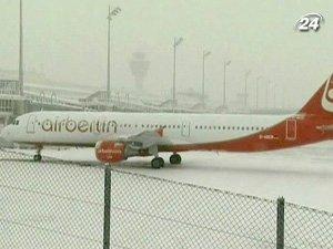За сильных снегопадов в Германии отменены сотни авиарейсов