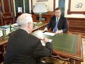 Президент Украины Виктор Янукович и Премьер-министр Николай Азаров