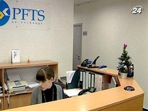 Крупнейшим акционером ПФТС является Московская межбанковская валютная биржа