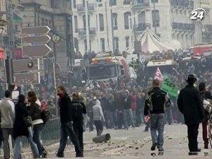 480 000 французов вышли на забастовку