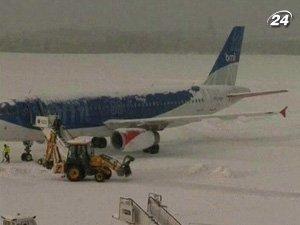 Из-за непогоды приостановили работу аэропорты