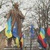 Ющенко еще посудиться за Героя для Бандеры