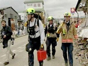 Спасательные бригады из разных стран работают круглосуточно