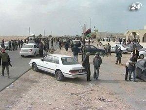Каддафи отвоевывает у повстанцев территорию