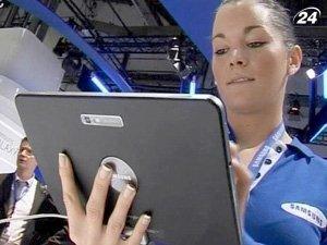 Примерно треть представленных девайсов - планшетные компьютеры