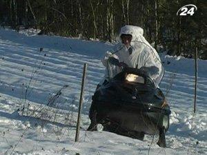 Ситуацию на границе луцкие пограничники контролируют на снегоходах