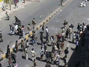 Разгоняют демонстрации