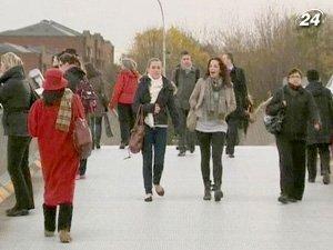 Финансовый кризис вынуждает молодежь искать возможности трудоустройства за пределами Ирландии