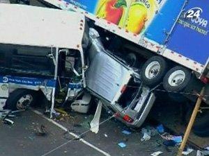 Столкновение автобуса, микроавтобуса и грузовика