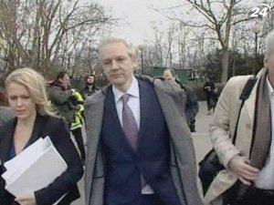 Ассанж снова на скамье подсудимых