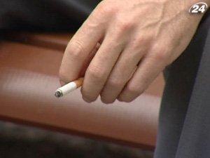 Украинская стали меньше курить