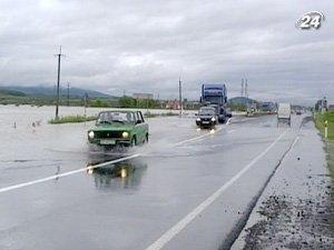 Большая вода залила автодороги