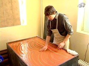 Рисование жидкой глиной снимает стресс и избавляет от комплексов