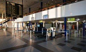 Пустой аэропорт города Шенефельд (Германия)