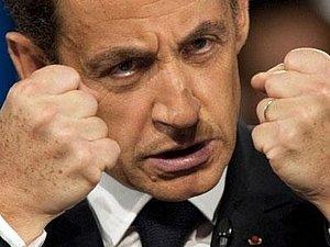 Саркози призывает блокировать Ливию