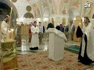 В церквях, мечетях и синагогах прошли поминальные службы по погибшим