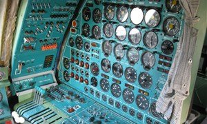 Доска приборов самолета