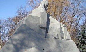Памятник Тарасу Шевченко в Полтаве