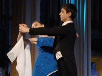 Танцуют под музыку инструментального ансамбля «Академ»