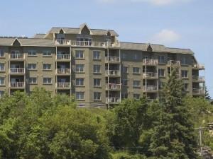 Украинцы стали чаще вкладывать деньги в недвижимость