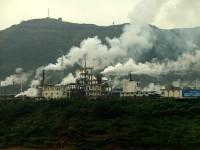 Завод на берегу реки Янцзы, Китай
