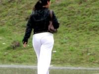 Женские брюки нужно обязательно примерять перед покупкой