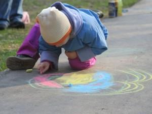 Рисование помогает развивать моторику у ребенка